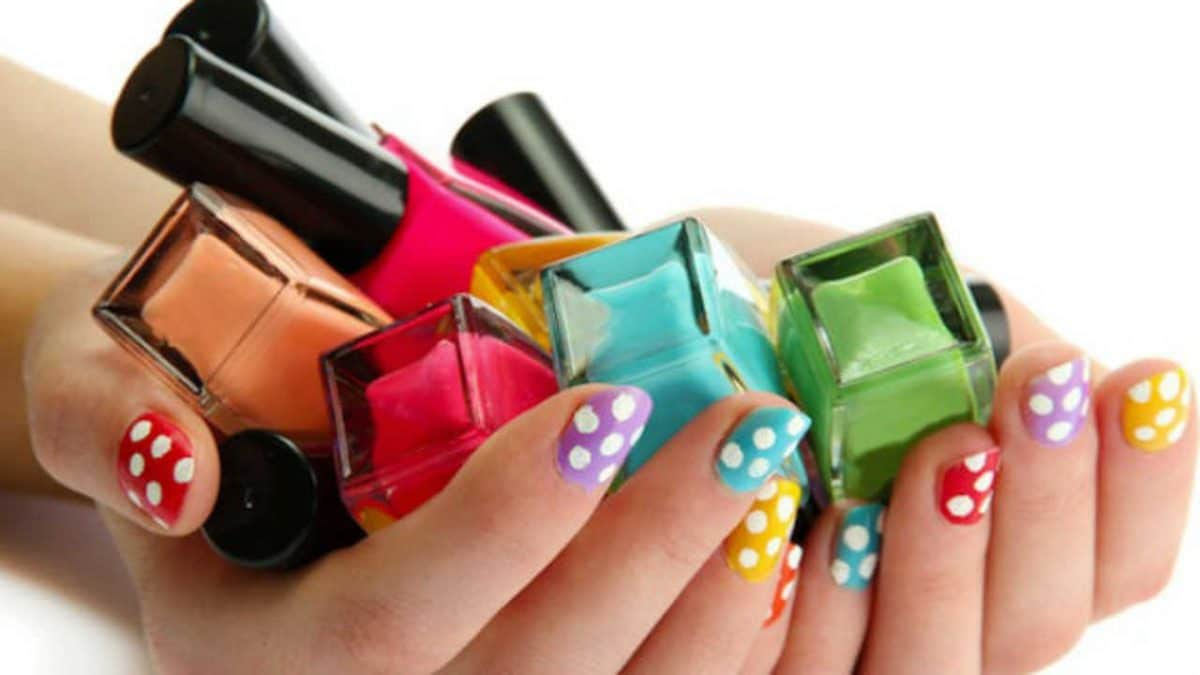 Best Cheap Nail Polishes 2019 (Under $10) - BudgetReport