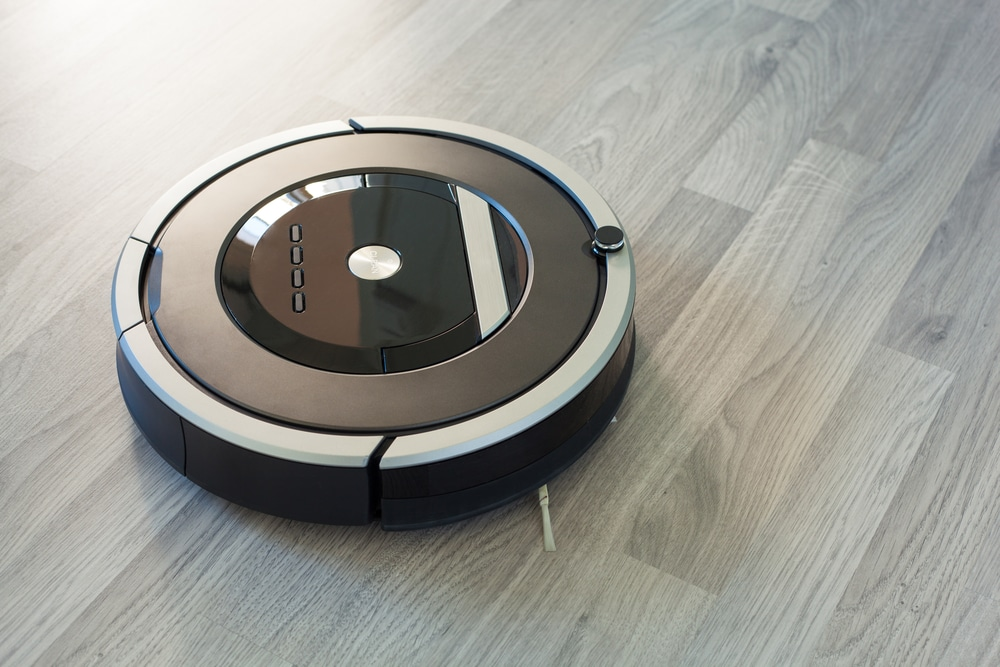 robot vacuum on laminate wood