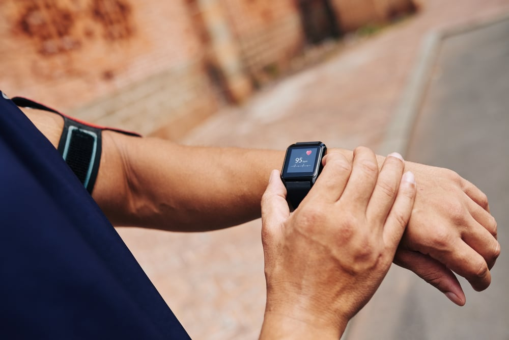 Checking pulse with fitness tracker