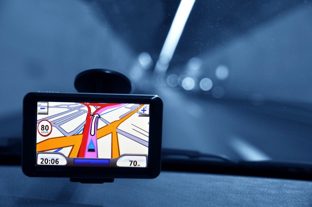GPS mounted to windshield